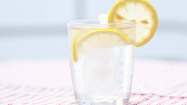 Four Ridiculously Easy Tips To Increase Your Water Intake!